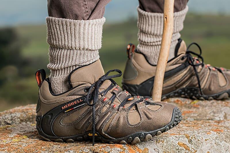 hiking vs walking