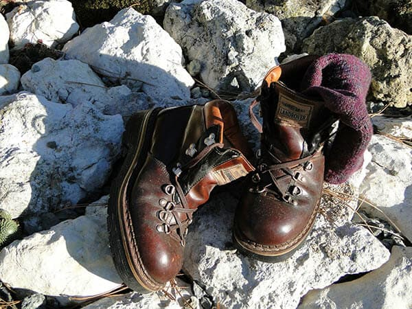 how long should hiking boots last?